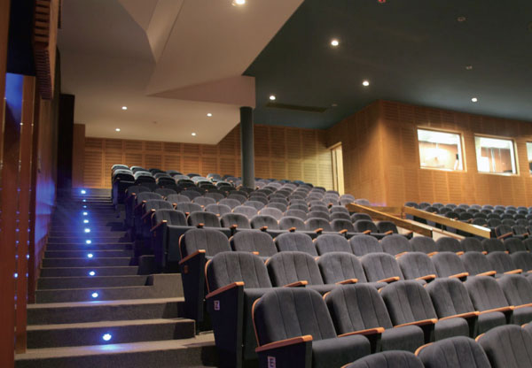 led-mini-disc-marker-light-theatre-classroom-interlectric